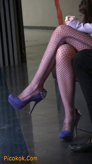 丝丝会紫色网袜的高跟极品美女70