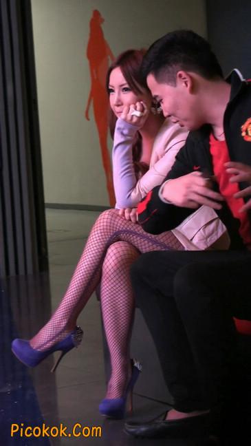 丝丝会紫色网袜的高跟极品美女72
