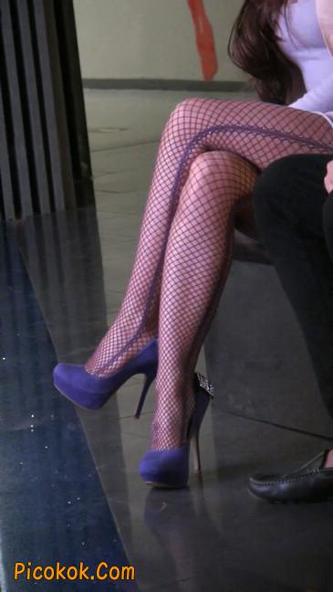 丝丝会紫色网袜的高跟极品美女74