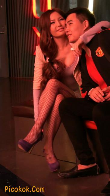 丝丝会紫色网袜的高跟极品美女89