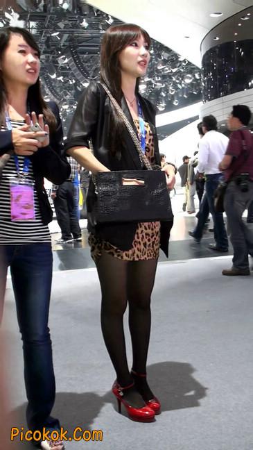 豹纹短裙,红色高跟的黑丝极品少妇4