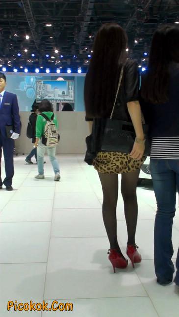 豹纹短裙,红色高跟的黑丝极品少妇7