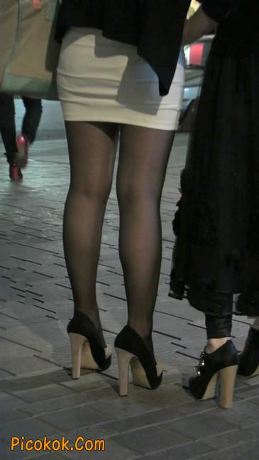 黑丝短裙紧身包臀的清纯美女,实际上并不清纯8