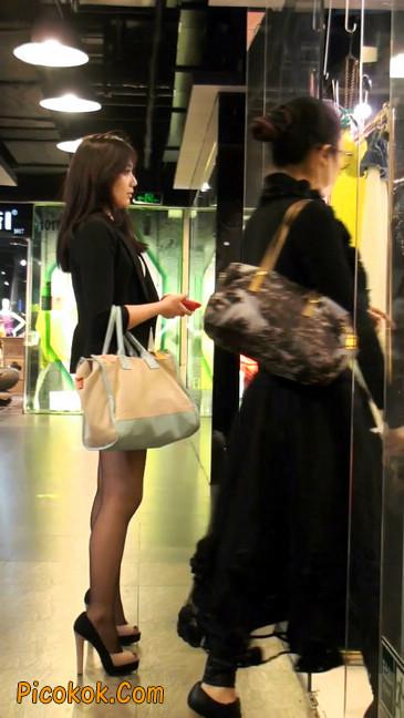 黑丝短裙紧身包臀的清纯美女,实际上并不清纯12