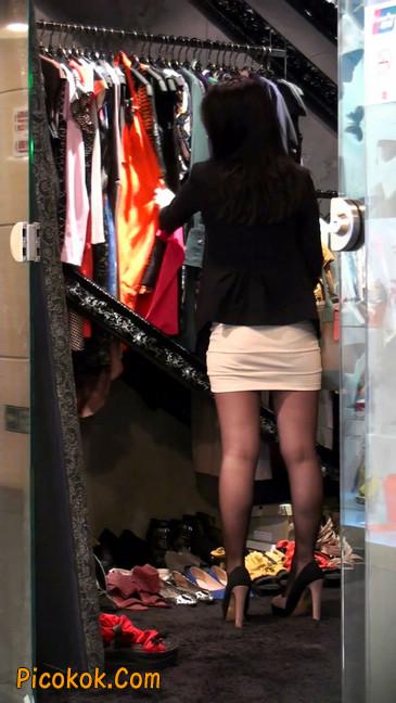 黑丝短裙紧身包臀的清纯美女,实际上并不清纯16