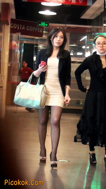 黑丝短裙紧身包臀的清纯美女,实际上并不清纯19