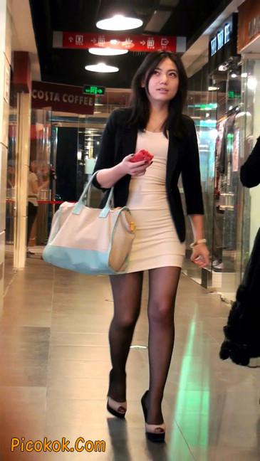 黑丝短裙紧身包臀的清纯美女,实际上并不清纯21