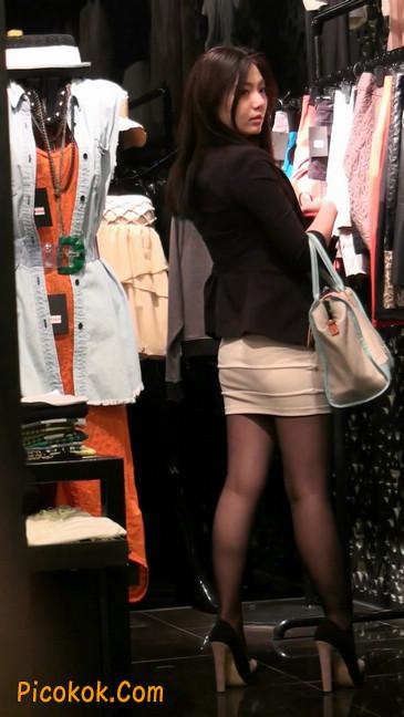 黑丝短裙紧身包臀的清纯美女,实际上并不清纯32