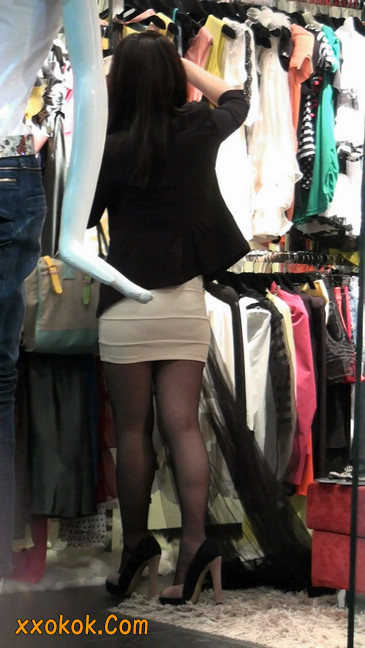 黑丝短裙紧身包臀的清纯美女,实际上并不清纯42