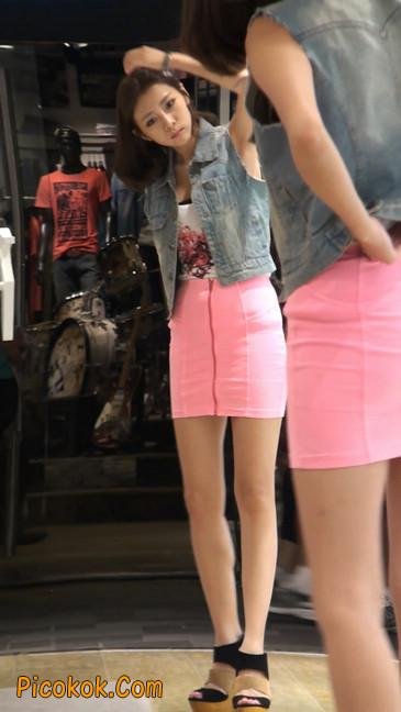 街拍紧身超短裙,极品身材,骨子里其实很放荡5