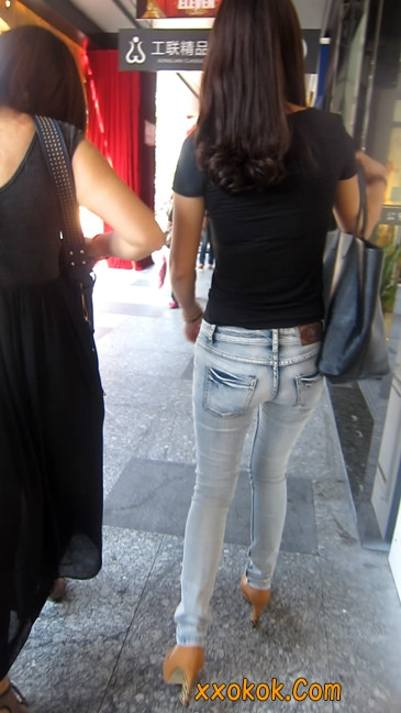 街拍,紧身牛仔裤,男人的尤物
