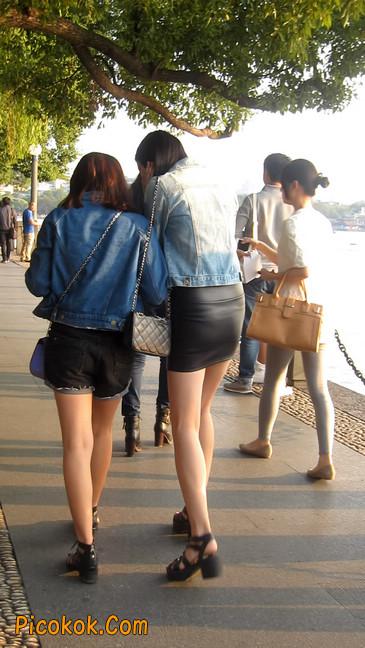 皮质小热裤美女绝对经典这身材太赞了2