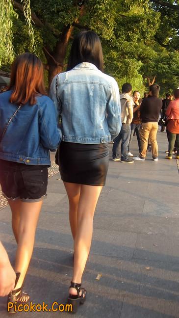 皮质小热裤美女绝对经典这身材太赞了13