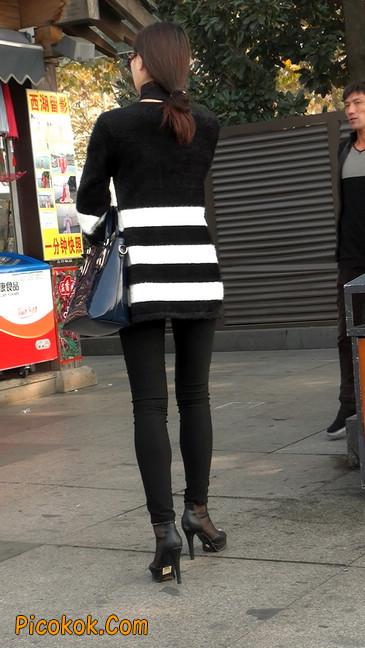 街拍,身材超赞的极品少妇16