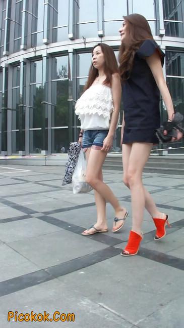 街拍北京三里屯的美女16
