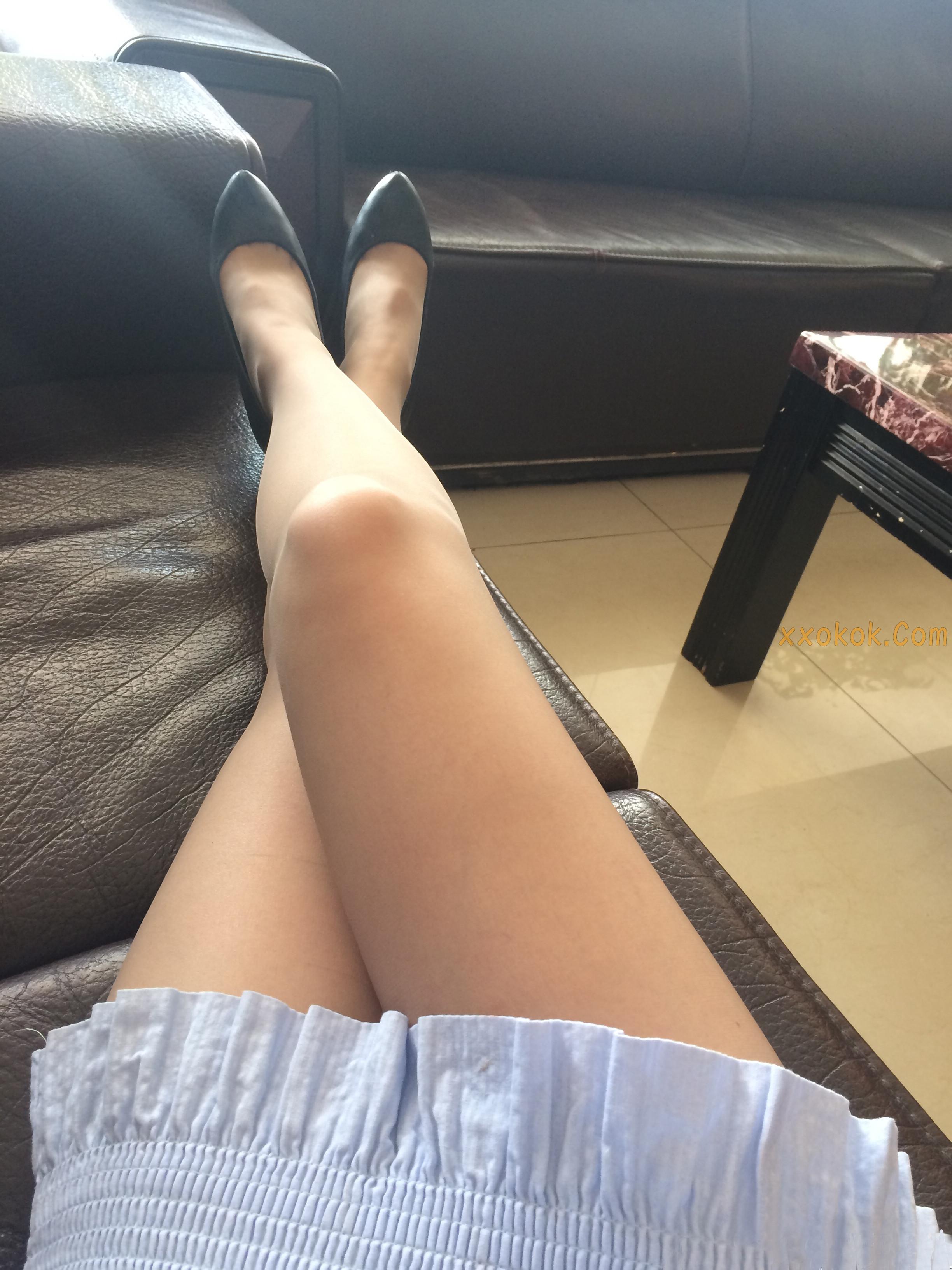 我钟爱粉色指甲油,更偏爱黑丝短裙,第四季30