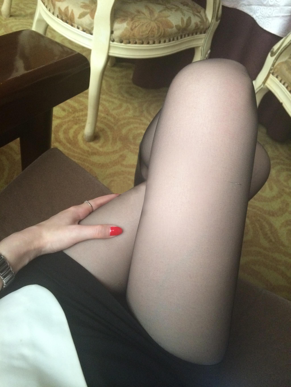 我钟爱粉色指甲油,更偏爱黑丝短裙,第十季21