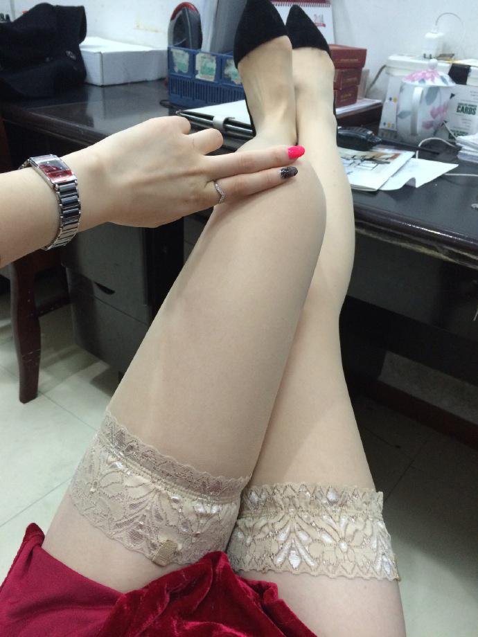 我钟爱粉色指甲油,更偏爱黑丝短裙,第十季30