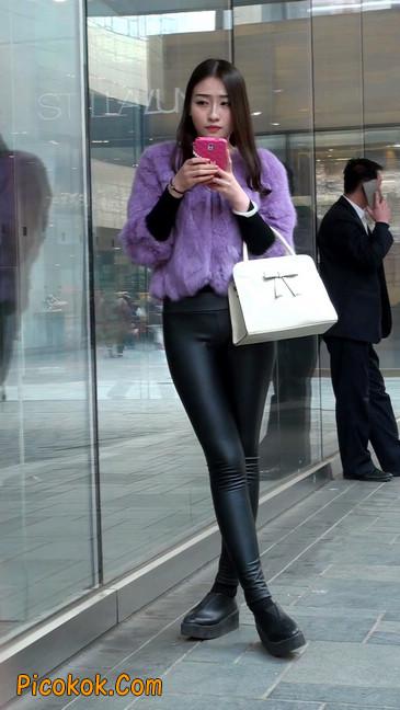 极品美女性感紧身皮裤绝对让你意犹未尽20