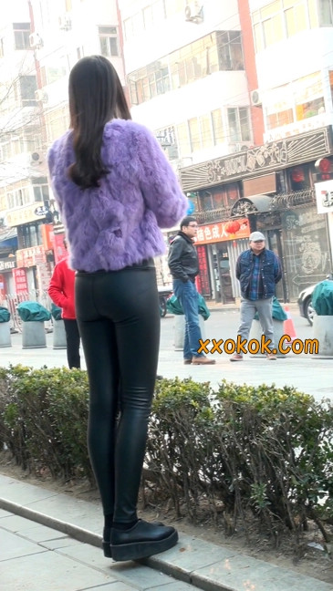 极品美女性感紧身皮裤绝对让你意犹未尽47
