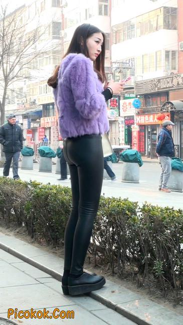 极品美女性感紧身皮裤绝对让你意犹未尽48