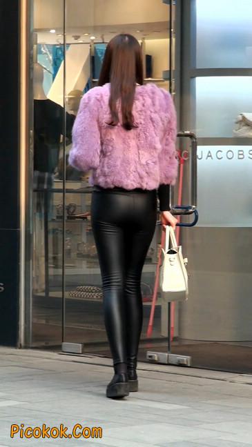 极品美女性感紧身皮裤绝对让你意犹未尽52