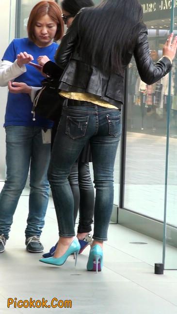 街拍高挑紧身,牛仔裤美女性感大方8