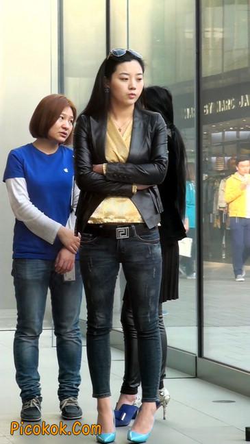 街拍高挑紧身,牛仔裤美女性感大方14