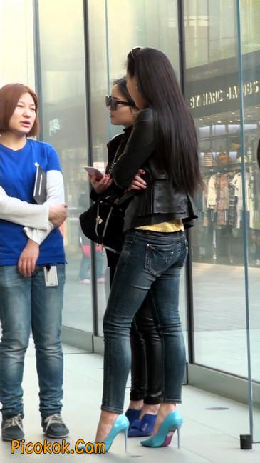 街拍高挑紧身,牛仔裤美女性感大方18