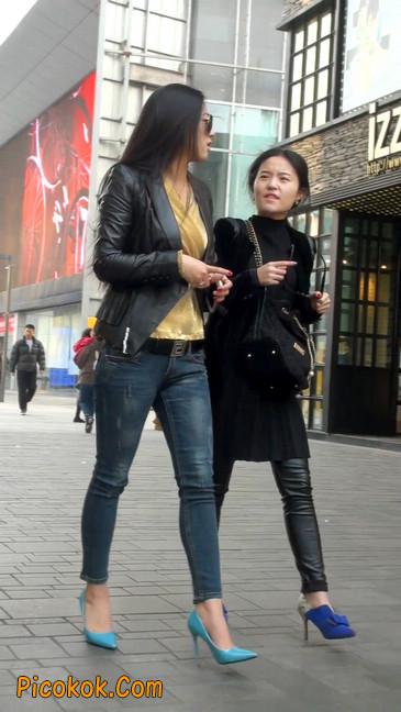 街拍高挑紧身,牛仔裤美女性感大方22