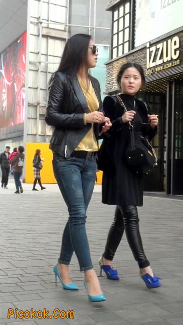街拍高挑紧身,牛仔裤美女性感大方23