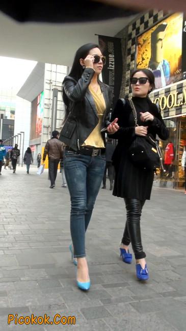 街拍高挑紧身,牛仔裤美女性感大方24