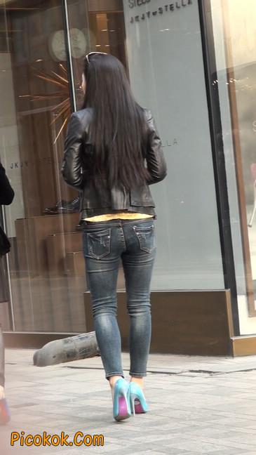 街拍高挑紧身,牛仔裤美女性感大方27