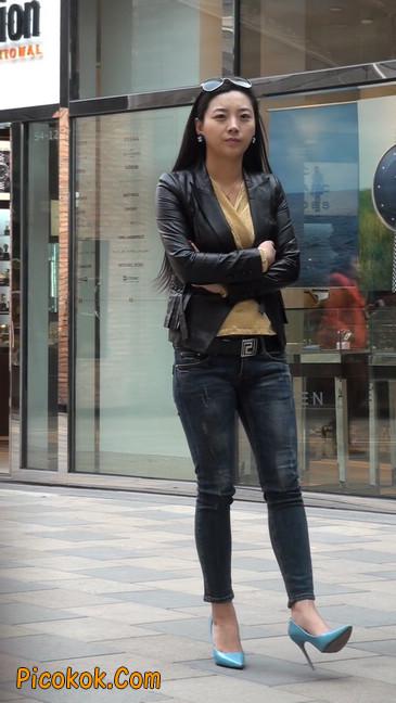 街拍高挑紧身,牛仔裤美女性感大方34
