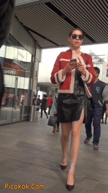 一路有人问要电话的短裙美女3