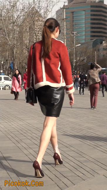一路有人问要电话的短裙美女21