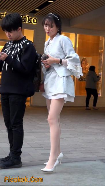 小姐姐的腿好性感会有想摸的冲动2
