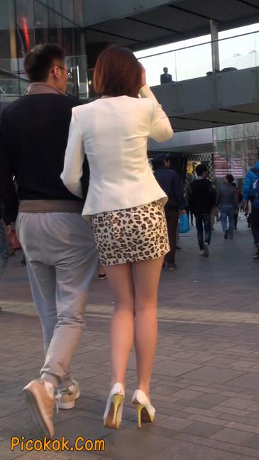 会让你神魂颠倒的豹纹短裙美女2