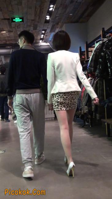 会让你神魂颠倒的豹纹短裙美女18