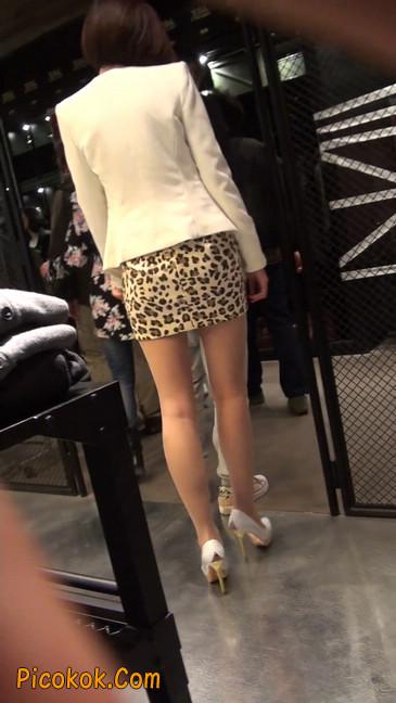 会让你神魂颠倒的豹纹短裙美女24
