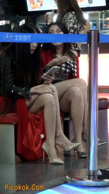 坐姿非常性感的极品美艳性感少妇7