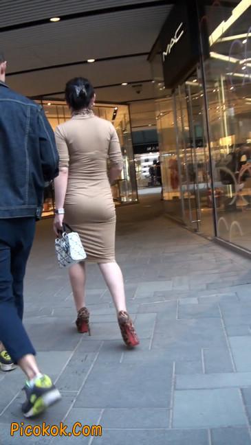 前凸后翘的丰满身材少妇,好妩媚6