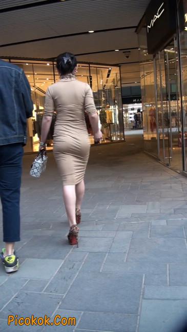前凸后翘的丰满身材少妇,好妩媚7