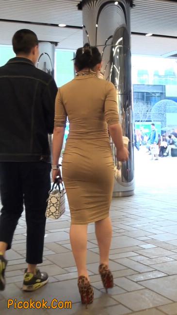 前凸后翘的丰满身材少妇,好妩媚11
