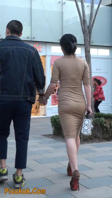 前凸后翘的丰满身材少妇,好妩媚26
