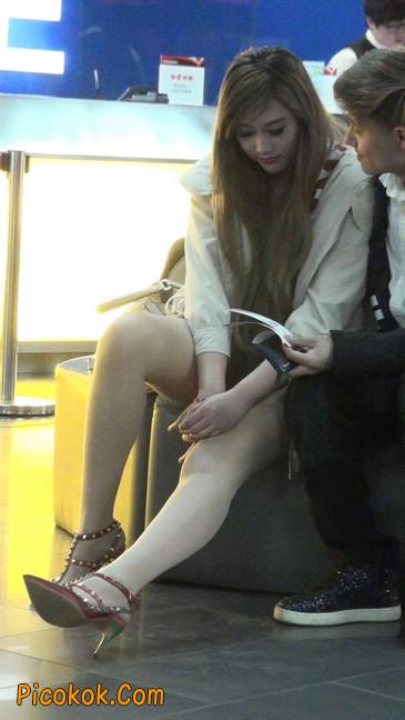 街拍非常养眼的长腿性感美女7