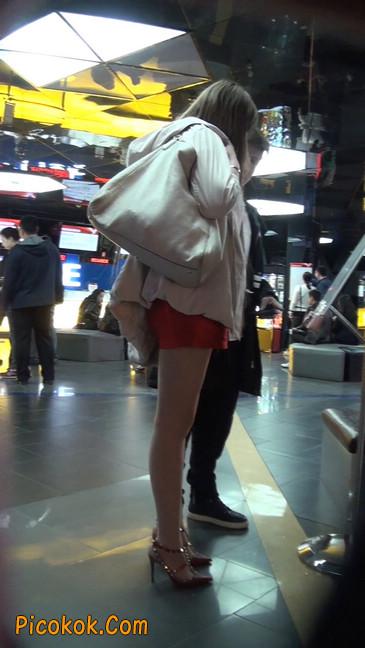 街拍非常养眼的长腿性感美女17