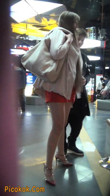 街拍非常养眼的长腿性感美女18