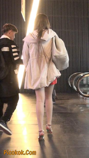 街拍非常养眼的长腿性感美女28