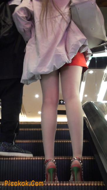 街拍非常养眼的长腿性感美女38